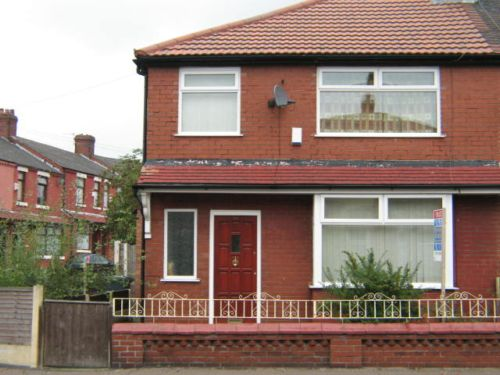 Property to let in moston